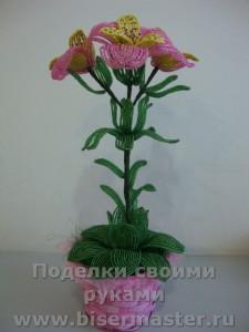 Дикая орхидея из бисера